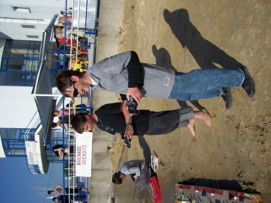 Romain et Pierre lors des essais pour le parcours maquettes radiocommandées.